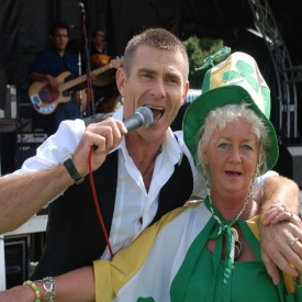 CRAWLEY-FESTIVAL-2008-001