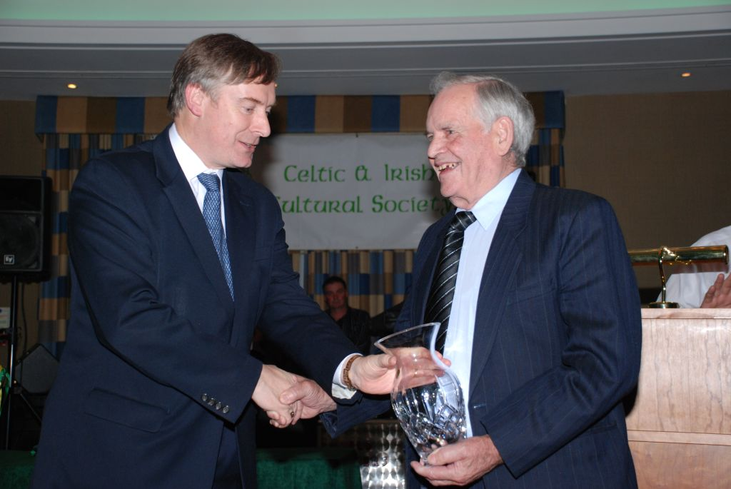 Larry Owen receives Irish Person of the Year Award
